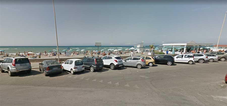 spiaggia libera ostia curvone