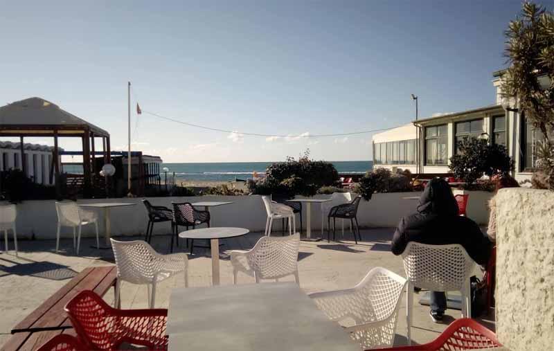 bar Urbinati sul mare ad Ostia